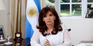 Investigan a CFK en otra causa por lavado de dinero
