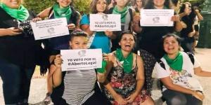 """""""Un aborto ilegal en una clínica sale 30 mil pesos"""""""