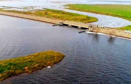 Impactantes imágenes del dique de los Daneses