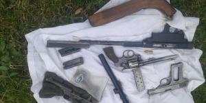 La Adela: detenido con droga y 4 armas