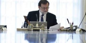 Rajoy destituye al gobierno de Catalunya