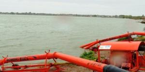 Pozos fuera de servicio y bombeo en la laguna