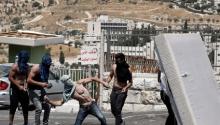 Tres palestinos muertos y casi 400 heridos