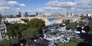 Masiva marcha en Buenos Aires contra Macri