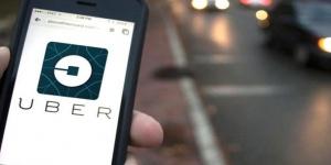 Para juez, conducir un auto en Uber no es delito