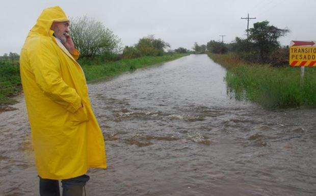 """Verna promete """"defender a los pueblos"""" frente a las lluvias"""