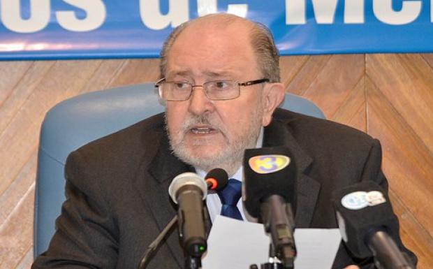 Verna junta a los intendentes: lanza créditos a municipalidades
